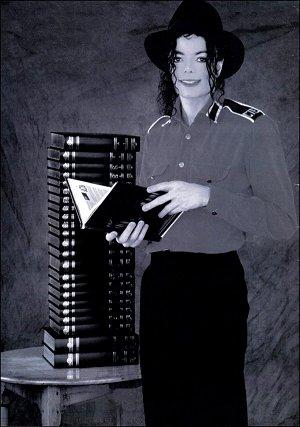 Les livres et les récits manuscrits sont les moyens de diffuser en tout  lieu les connaissances et les témoignages qui y sont consignés. 9bdd8f9ac38